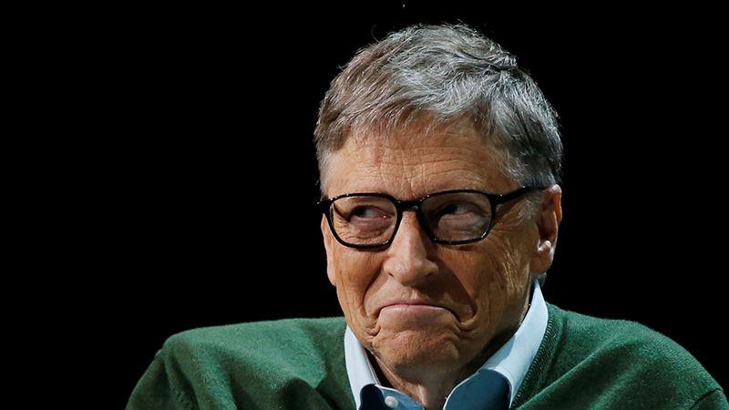 Билл Гейтс занял очередь у ресторана фастфуда и стал героем соцсетей