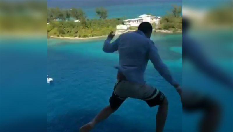 Турист на Багамах спрыгнул в воду с 11-го этажа круизного лайнера