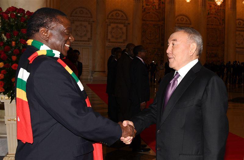 С официальным визитом в Казахстан прибыл президент Зимбабве Эммерсон Мнангагва
