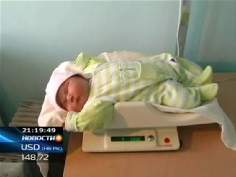 В Кокшетау родился гигантский ребенок
