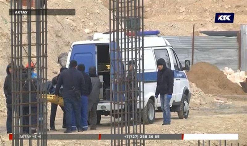 В Актау строителя насмерть придавило арматурой