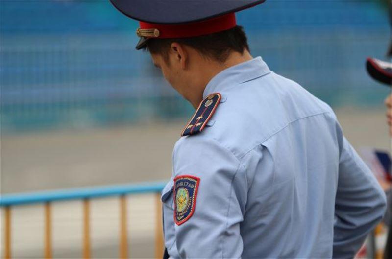 Ақтөбеде ноутбук ұрламақ болған полицей масқара болды