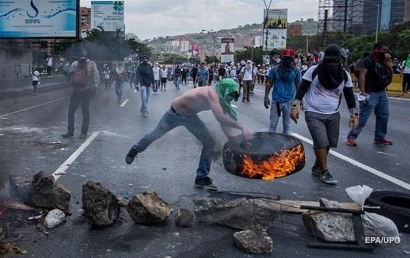 Протесты в Венесуэле: число жертв достигло 16 человек