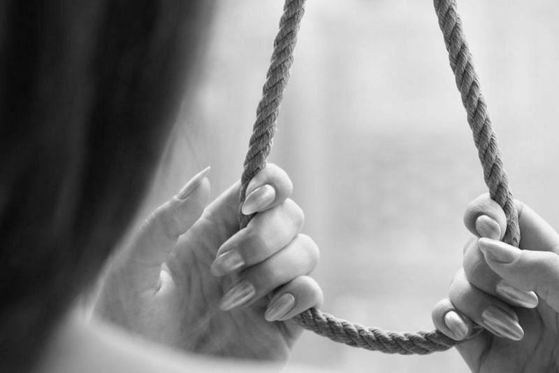 Студентка в Алматинской области покончила с собой в общежитии