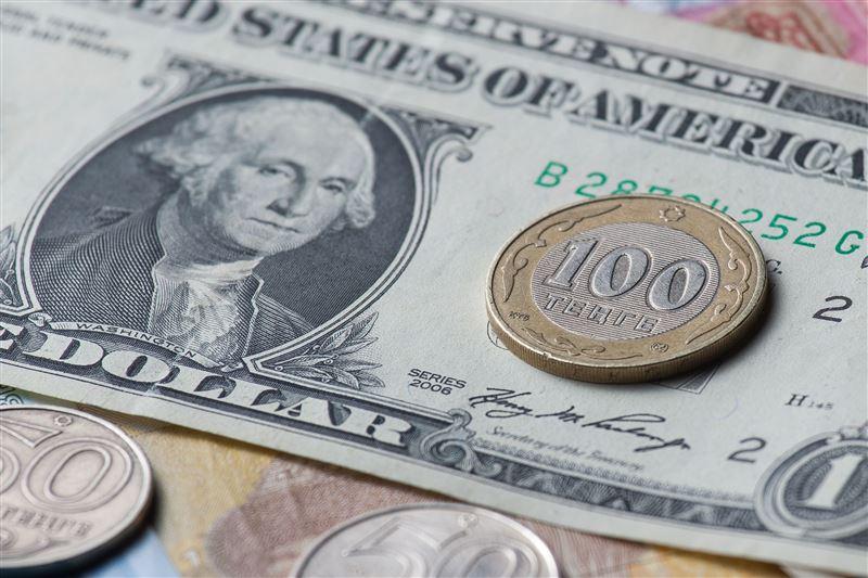 Средневзвешенный курс доллара составил 380, 25 тенге
