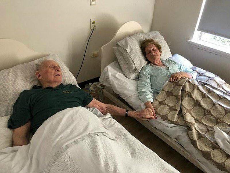 70 жыл отасқан ерлі-зайыпты өмірден бірге озды