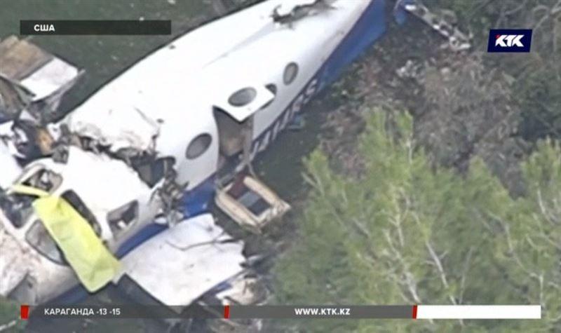 Самолет рухнул на жилой дом в Калифорнии