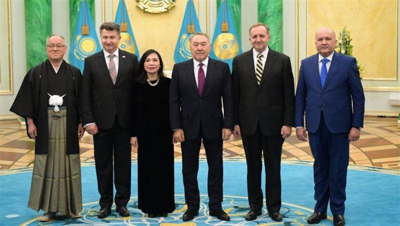 Президент принял верительные грамоты от чрезвычайных и полномочных послов ряда стран