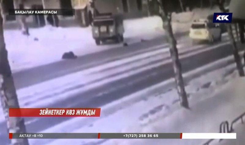 Өскеменде полицей қағып кеткен зейнеткер қайтыс болды