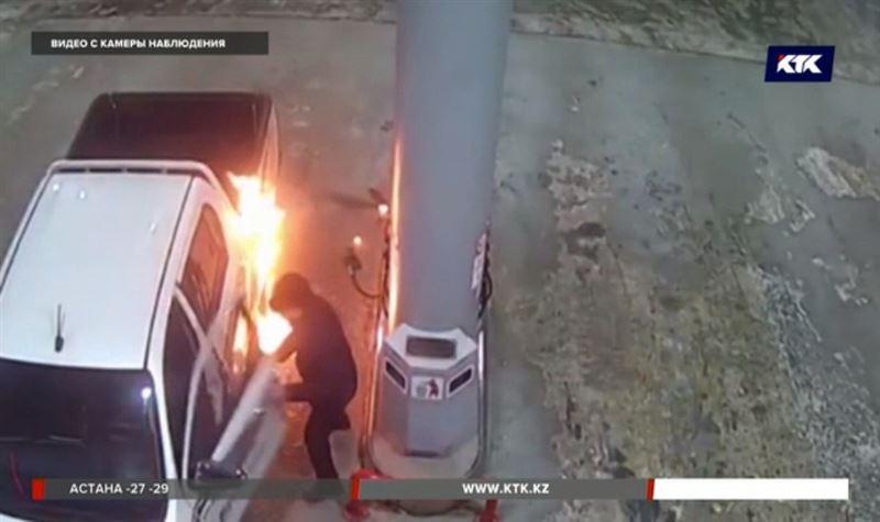 На уральской заправке вспыхнул автомобиль