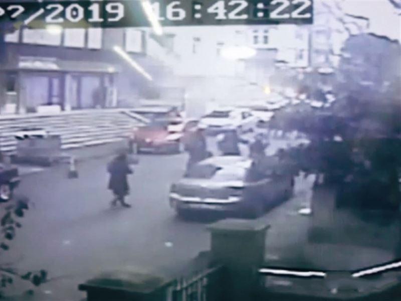 Обрушение многоэтажки в Стамбуле попало на видео