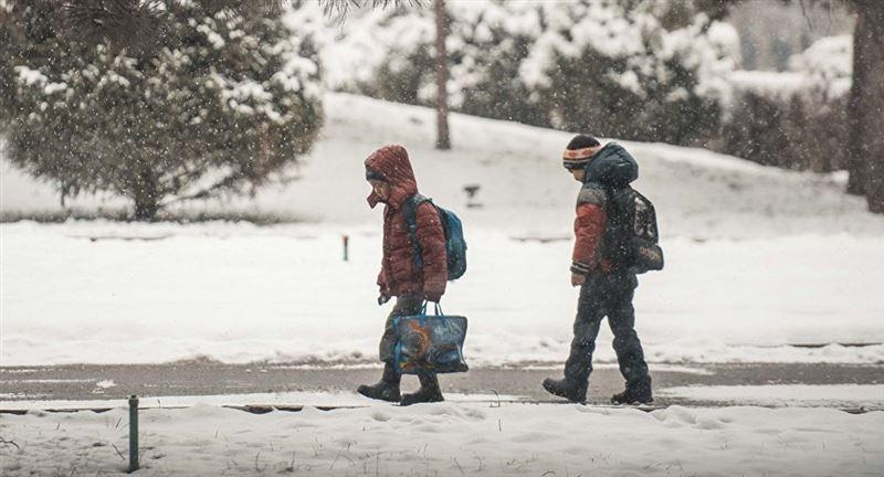 В Астане отменили занятия для учеников первой смены 8 февраля