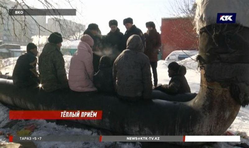 В Семее спасают от холода бомжей
