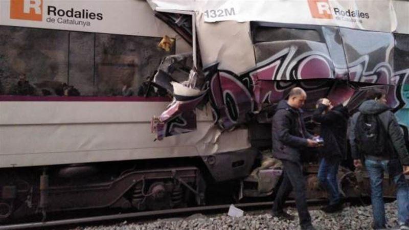 Человек погиб в результате столкновения поездов в Испании