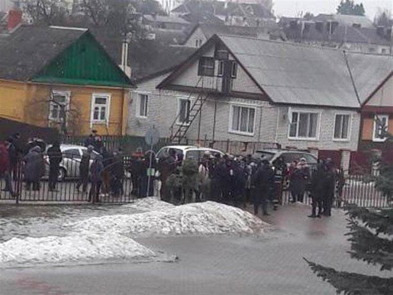 В школе в Беларуси ученик устроил поножовщину