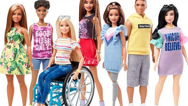 В продаже появятся куклы Барби в инвалидной коляске и с протезами