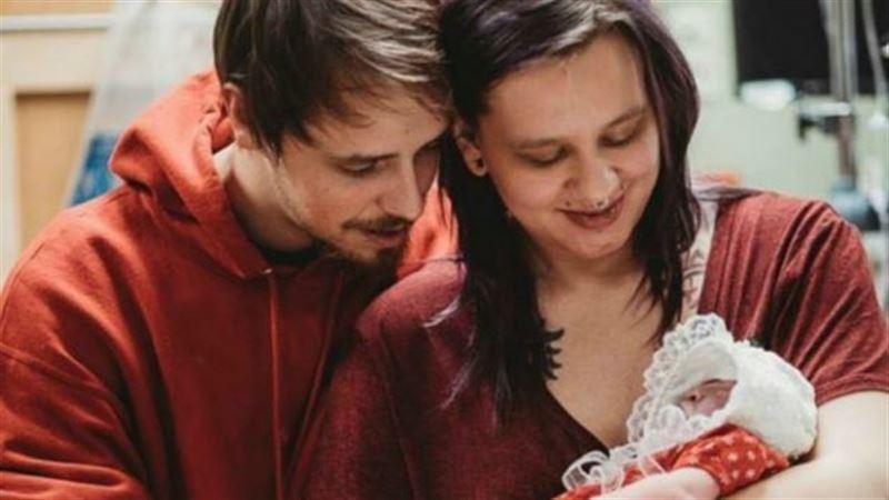 Жүкті әйел ауыр диагноз қойылған сәбиін босанып, ағзаларын науқас балаларға берді