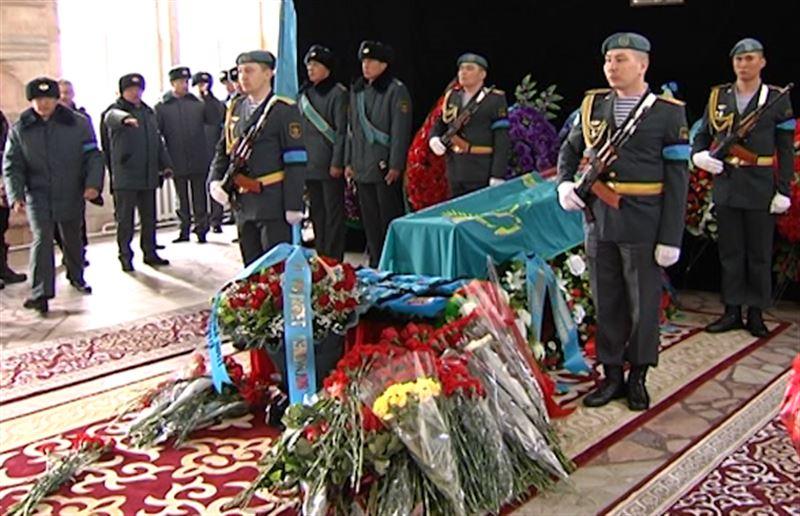 В Алматы простились с Кара майором Борисом Керимбаевым