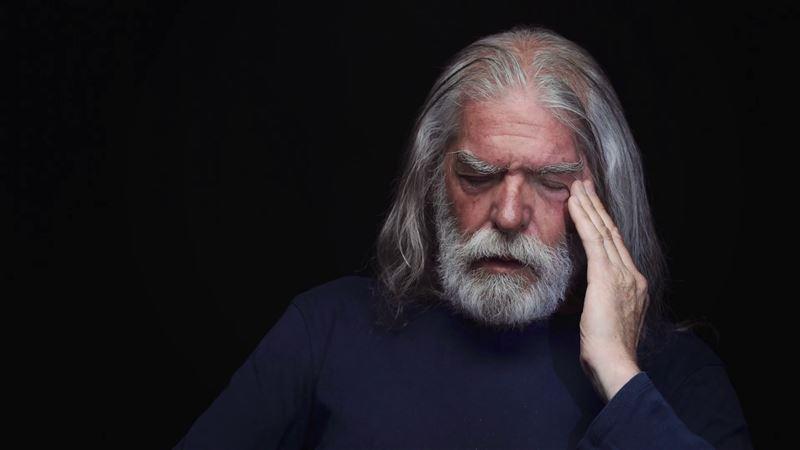 Ученые выяснили, почему люди глупеют