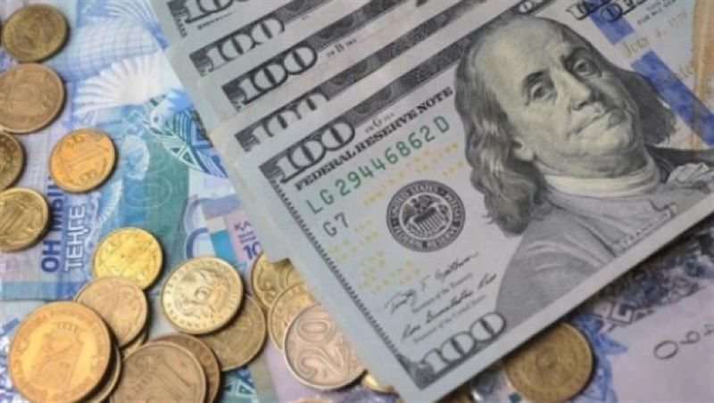 Нацвалюта ослабла к доллару на 2,15 тенге за торговую неделю
