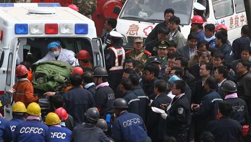 В Китае обрушился жилой дом, 10 жильцов остаются под завалами
