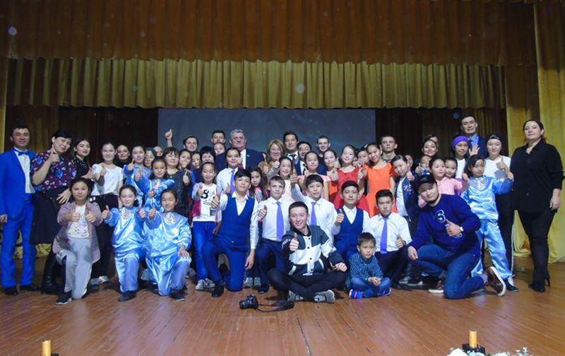 В Казахстане предлагают открыть театр для детей с нарушением слуха