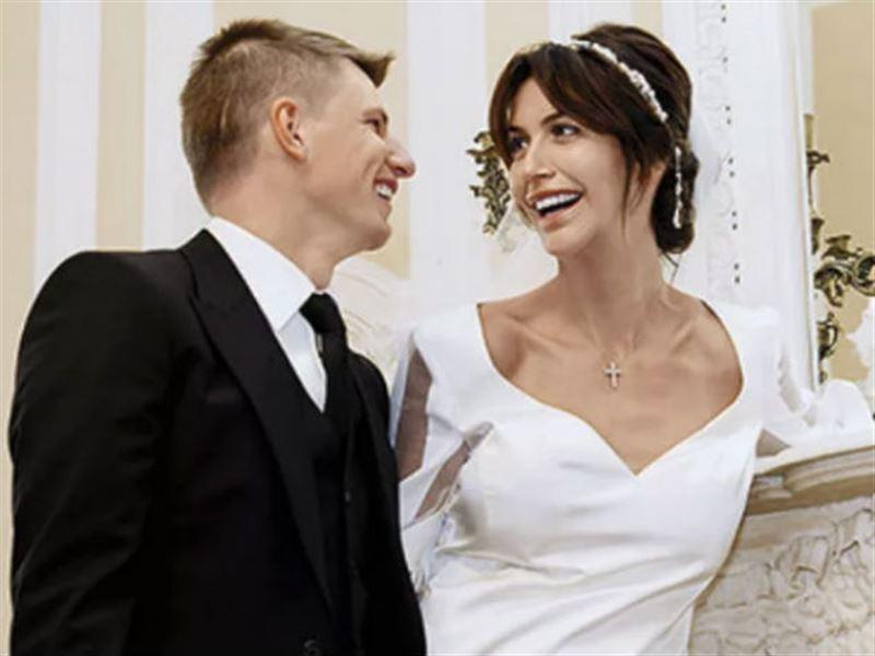 Супруга Аршавина подала на мужа заявление в ФСБ