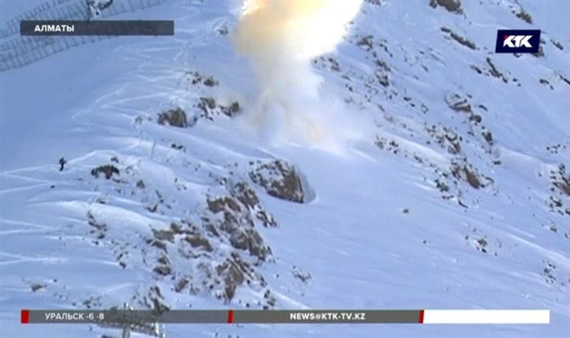 Алматинские спасатели взрывают горы