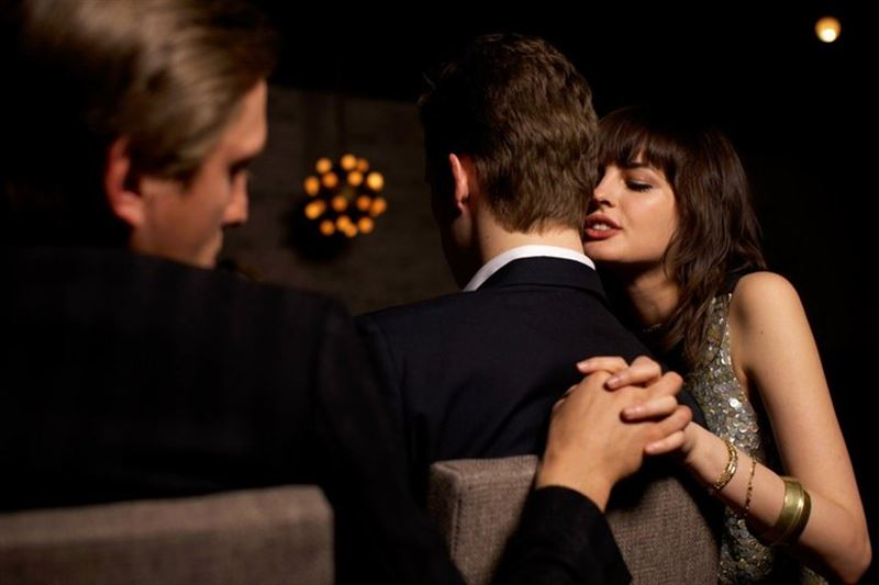 Психологи: какие девушки чаще всего изменяют