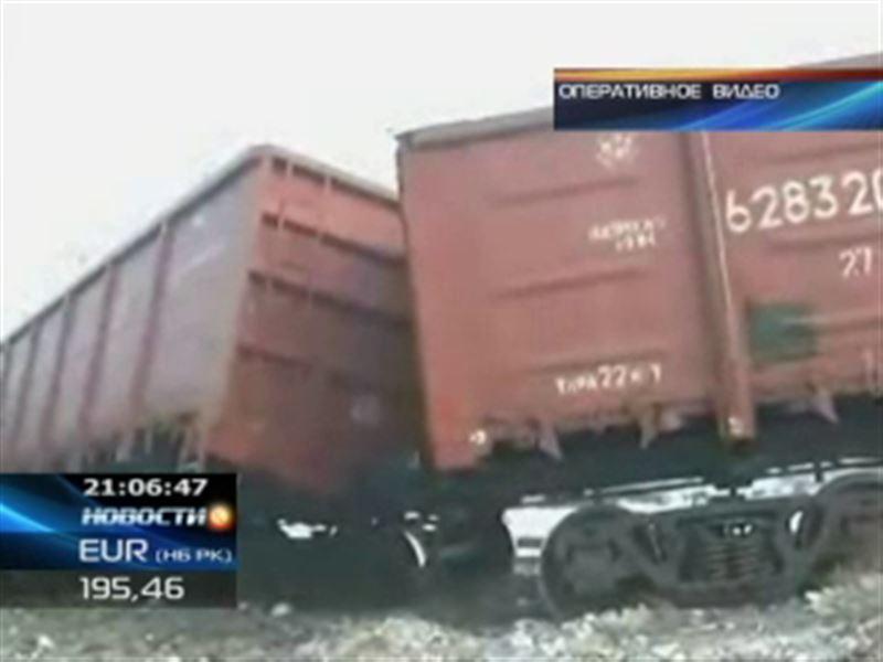 На станции Талдыкорган сошел с рельсов железнодорожный состав
