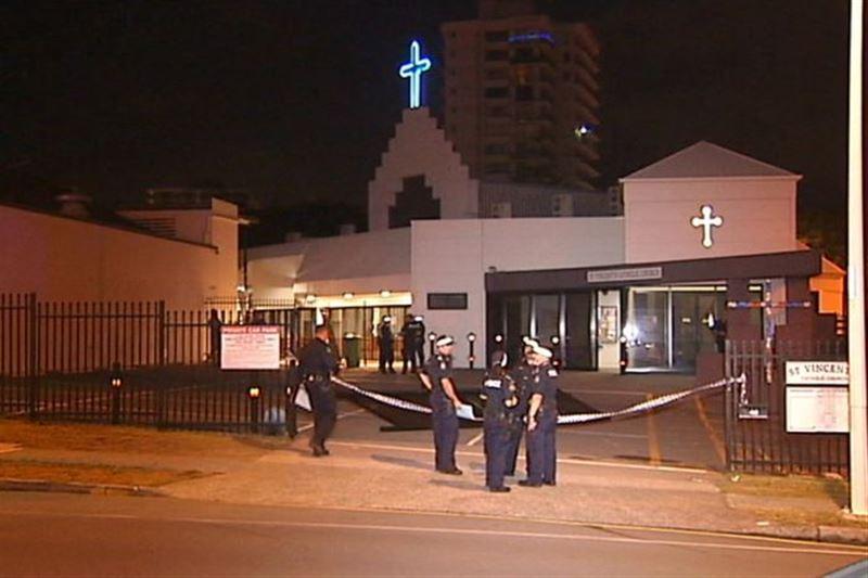 Турист не выжил после падения с крыши церкви в Австралии