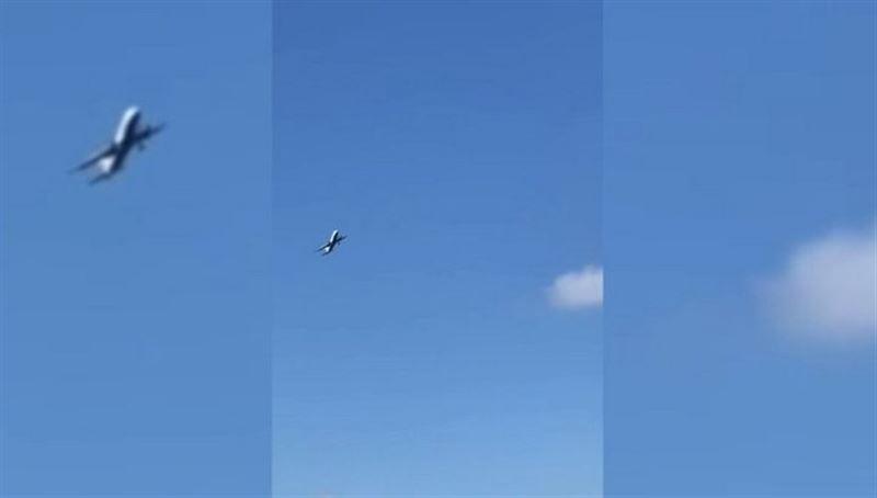 Аэрофобам не смотреть: самолет не смог приземлиться на Гибралтаре из-за сильного ветра