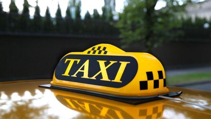 Женщина отдала таксисту 23000 тенге, чтобы доехать от аэропорта до центра Алматы