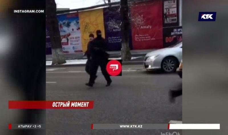 Бронежилет спас полицейского, на которого напал скупщик краденого