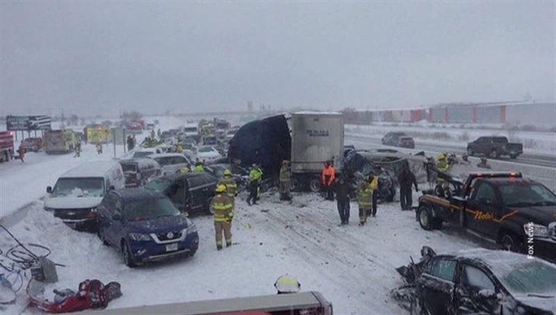 Самое крупное ДТП в США: на трассе столкнулся 131 автомобиль