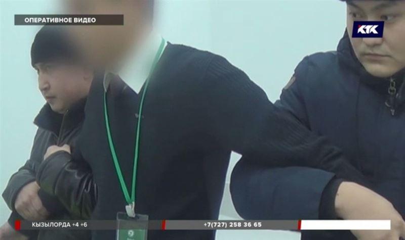 Казахстанские полицейские ловят «помогаек» и «бегунков»