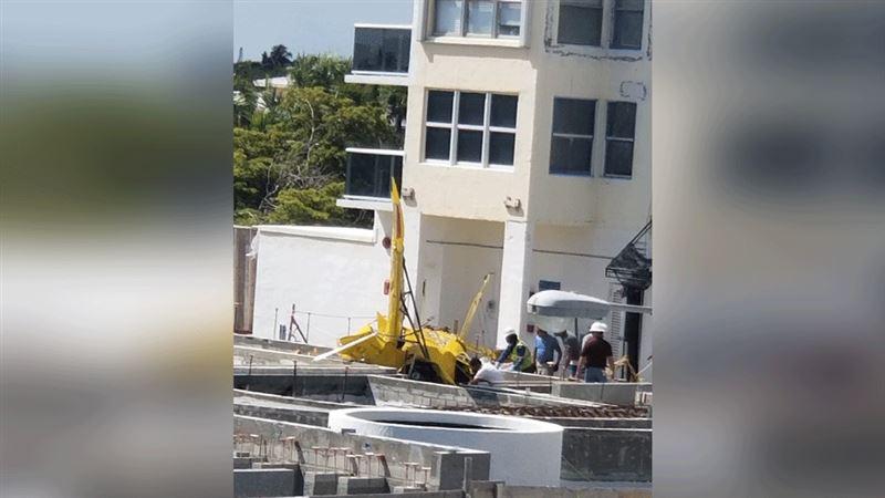 Во Флориде самолет врезался в многоэтажное здание