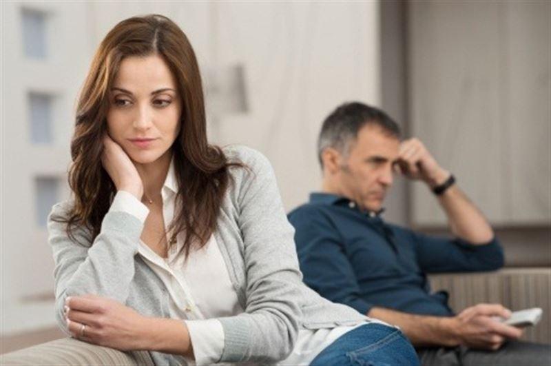 Психологи выяснили, почему люди в несчастливых отношениях не расстаются