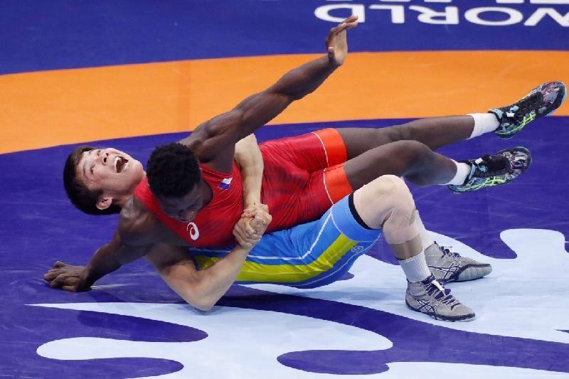 Қазақстандық балуандар Болгариядағы турнирде 3 қола жүлде жеңіп алды