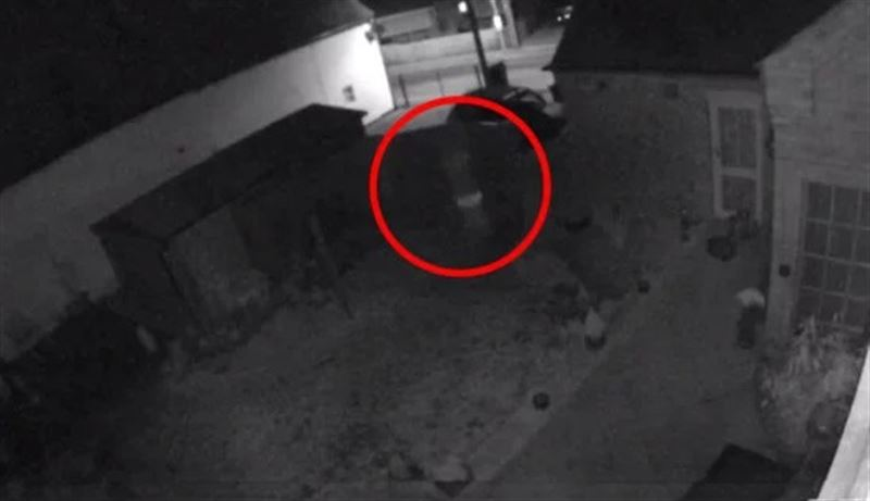 Призрак ребенка попал на камеры бывшей школы в Британии