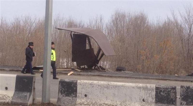 Иномарка насмерть сбил двух человек на трассе Алматы-Талдыкорган