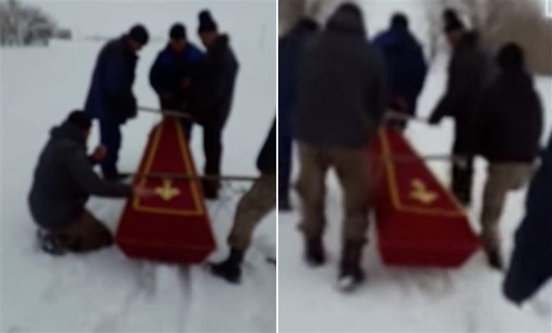 Умершего мужчину в ЗКО хоронить везли на санках