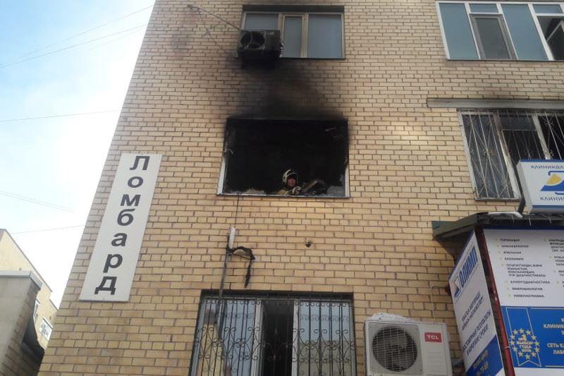 Астанада өртке оранған тұрғын үйден 25 адам құтқарылды