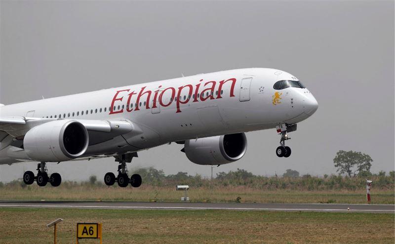 Пассажирский самолет потерпел крушение по пути в Кению