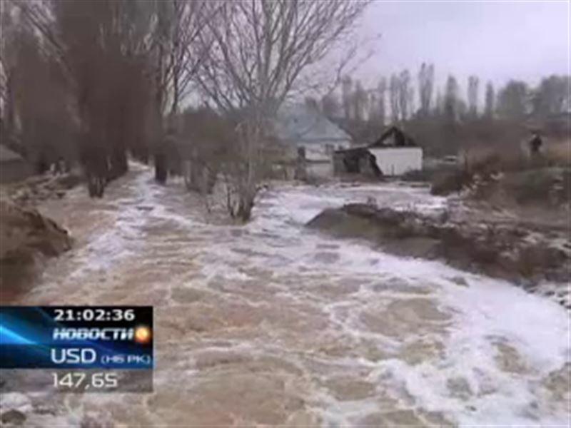 Новая волна паводков на юге Казахстана