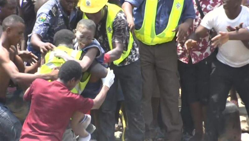 Число жертв обрушения здания школы в Нигерии возросло вдвое
