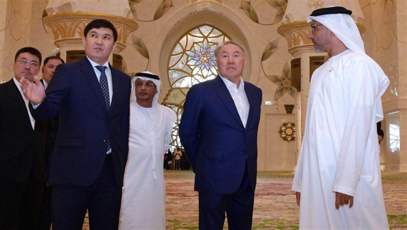 Президент посетил мечеть в Абу-Даби