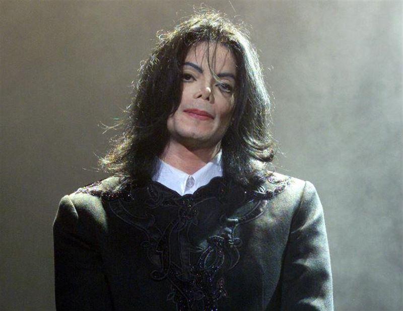 Louis Vuitton сожалеет о показе коллекции, посвященной Майклу Джексону