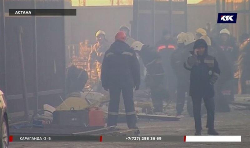 Бухгалтер может находиться под завалами взорвавшегося в Астане здания