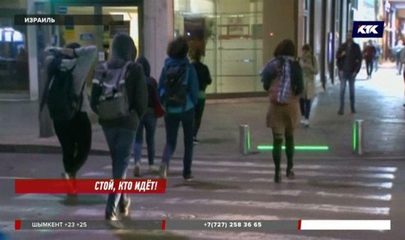 Пешеходов с телефонами спасут специальные светофоры